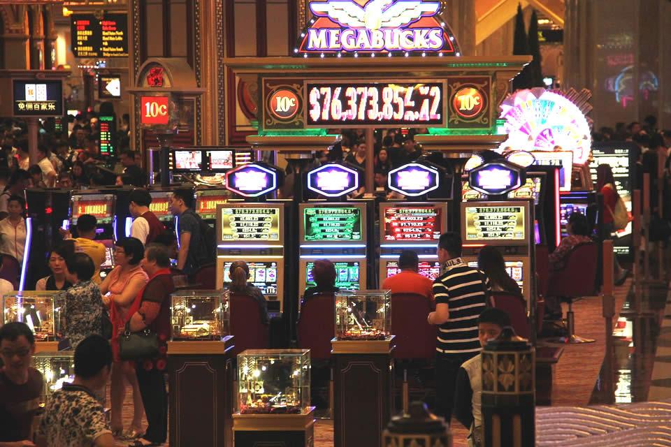 Macau casino asia casino foxwoods mohegan sun