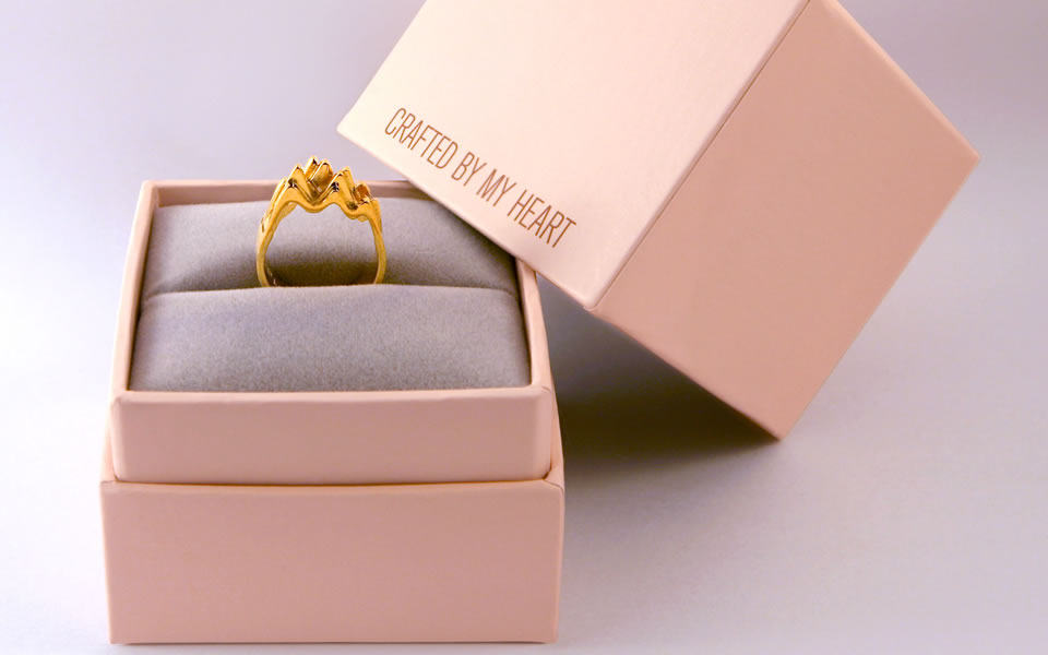 Hong Line By Your Ddb Kong Heart Launches The Of Designed Jewelry Beat l31TcKFJ
